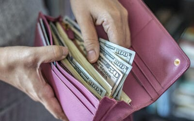 4 Reasons It's Still Important to Carry Cash